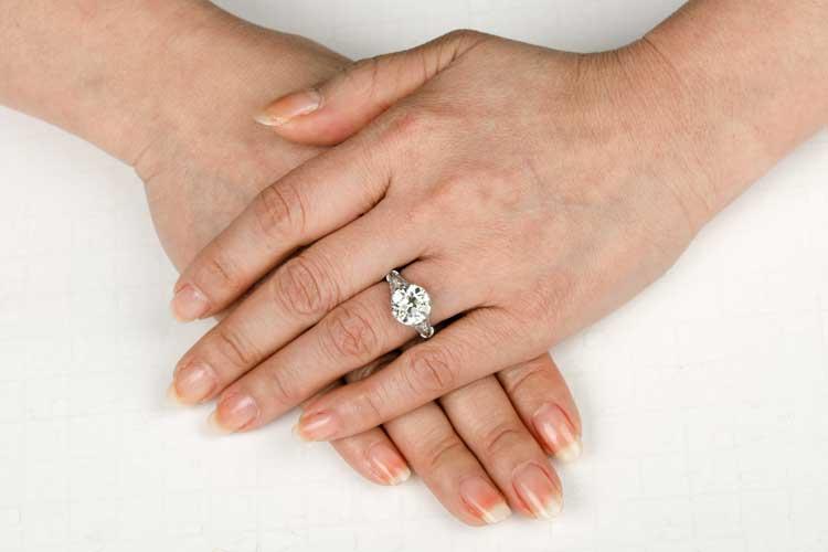 4 carat Filigree Ring on Finger. Next 3ef1462da45f