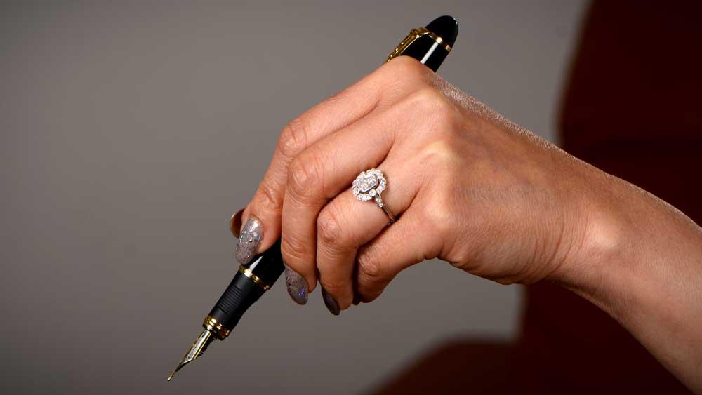 1 Carat Diamond on Hand