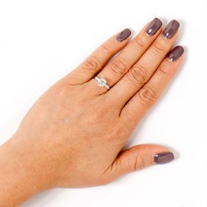 1 carat diamond on finger