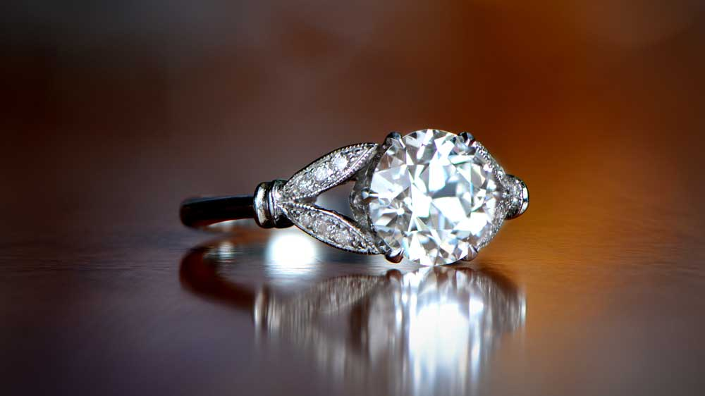 High Quality Clarity Diamond-Engagement-Ring
