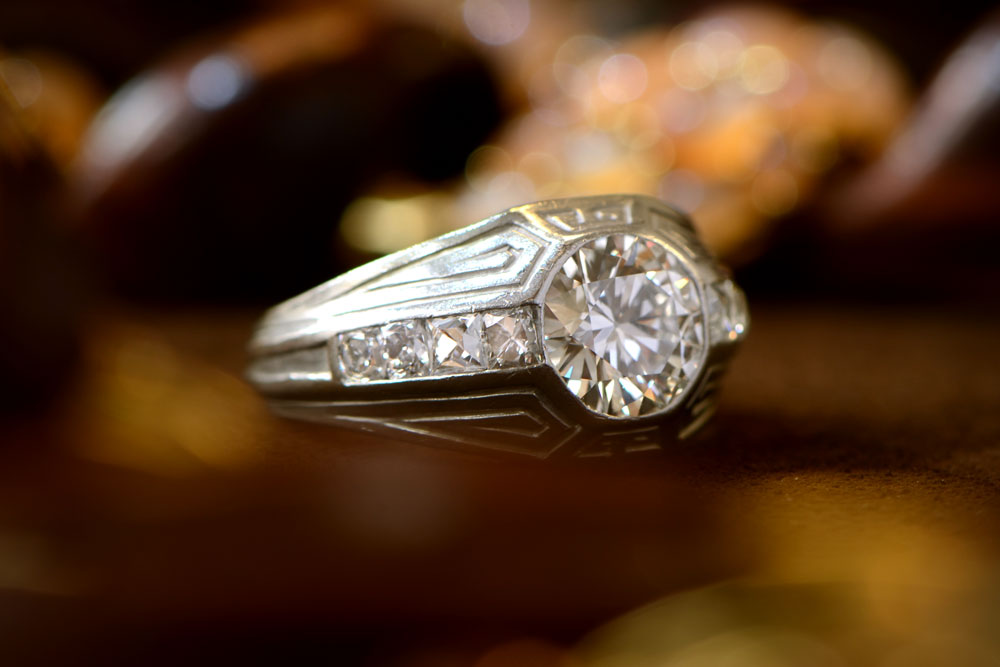 e07add42dbdd2 What Are Vintage Engagement Rings? - Definitive Jewelry Guide