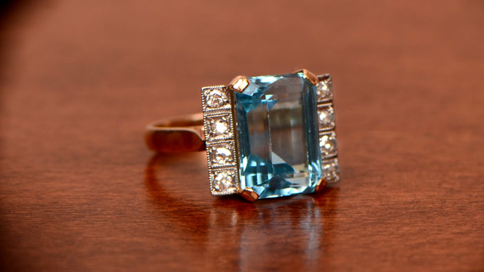 Vintage Aquamarine Ring in Gold Setting