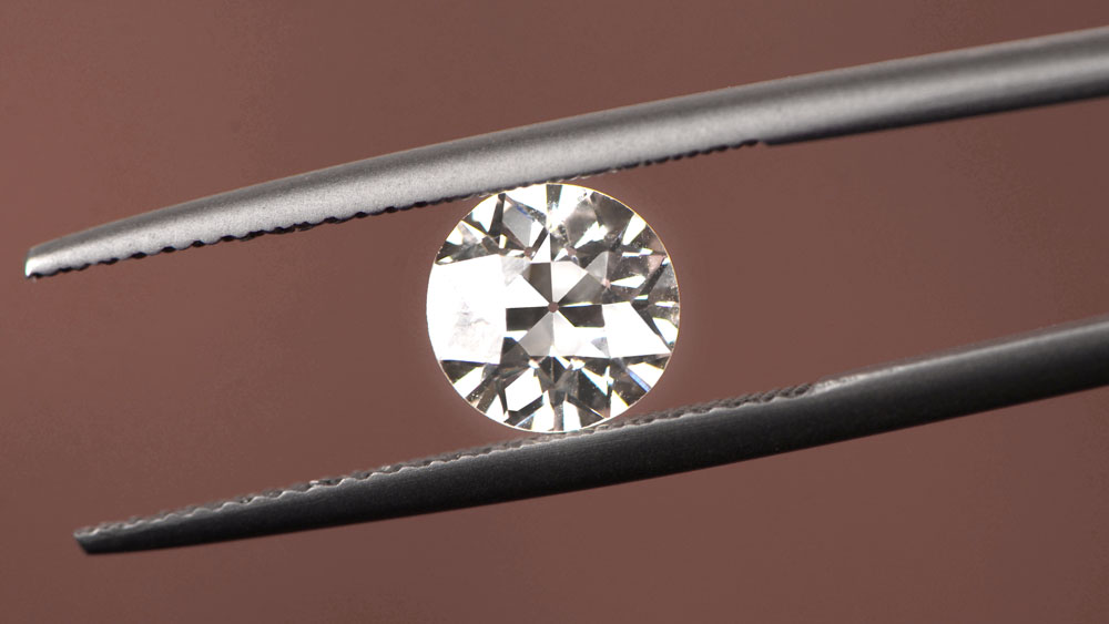 Diamond Inclusion Examination fo SI2 Clarity