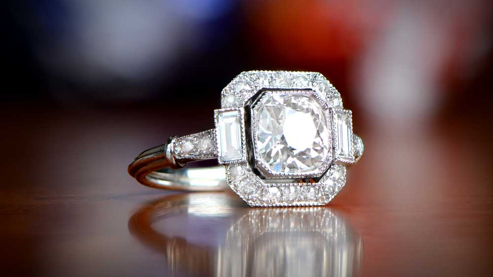 Engagement Ring Set with a diamond