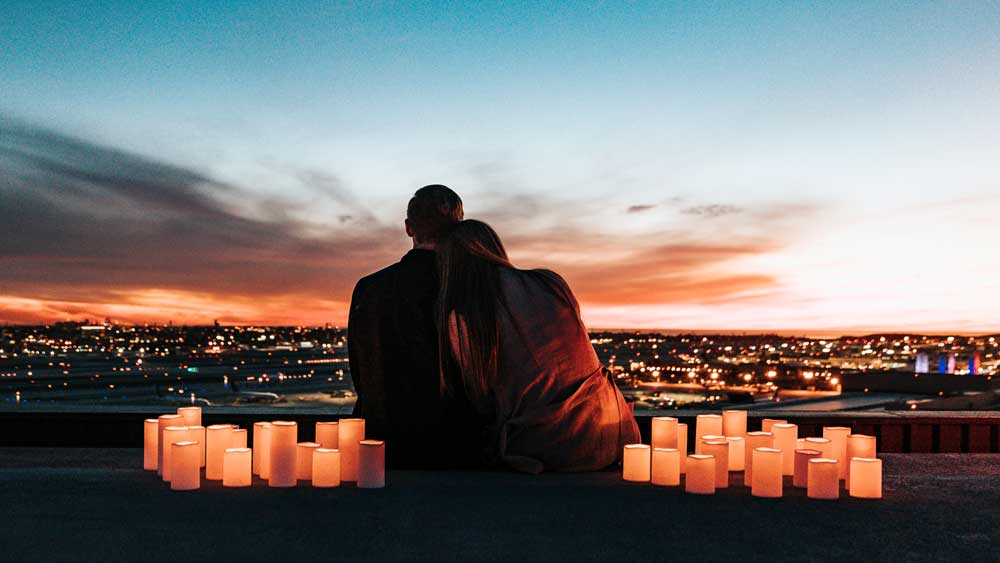 Quiet Proposal on Top of the City