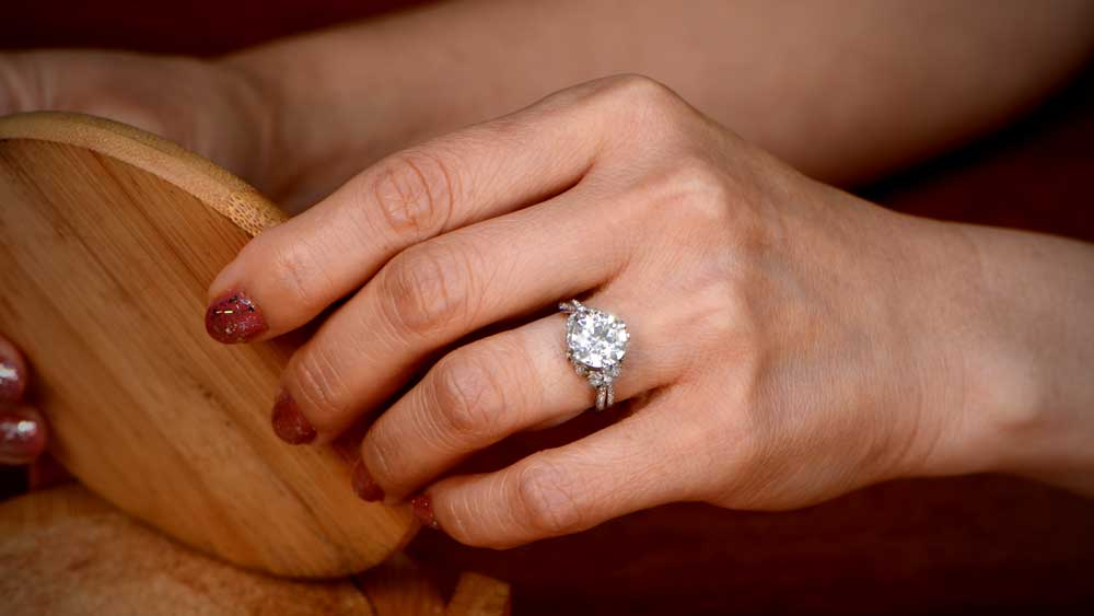 3 Carat Vintage Engagement Rings | Shop Rings, Advice and ...