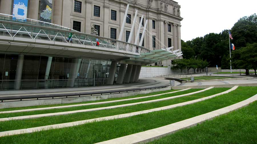 Brooklyn Museum Front Area