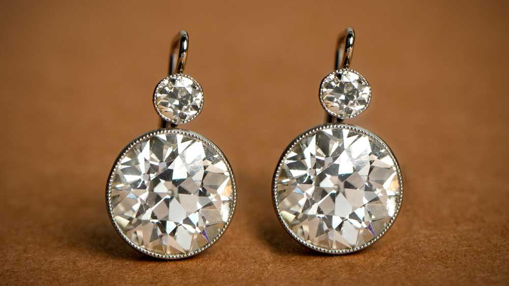 11557 Stud Earrings