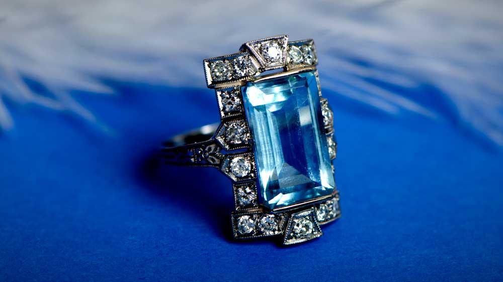 11573 Antique Aquamarine Ring Artistic