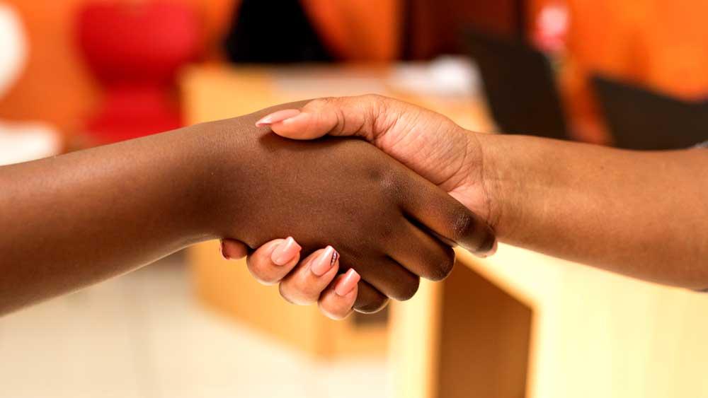 Reselling Handshake for Lab Diamond