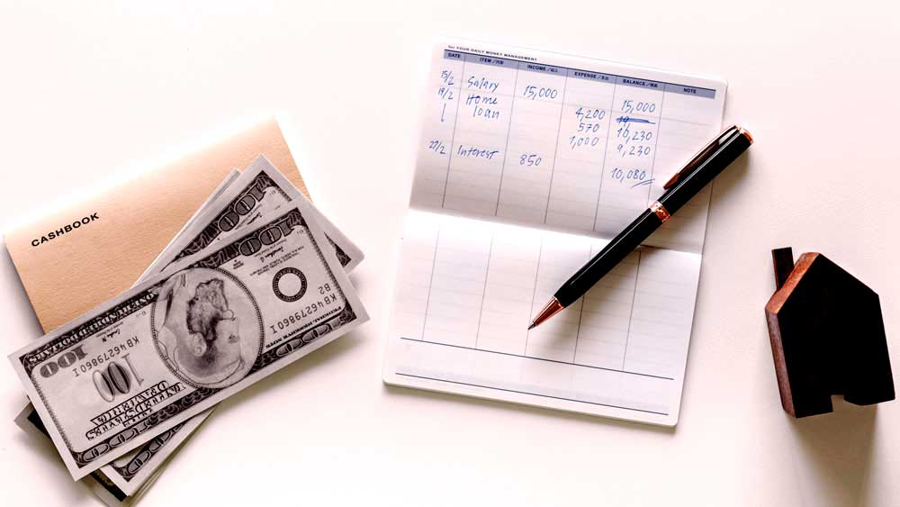 Planning the Engagement Ring Insurance and Budgeting