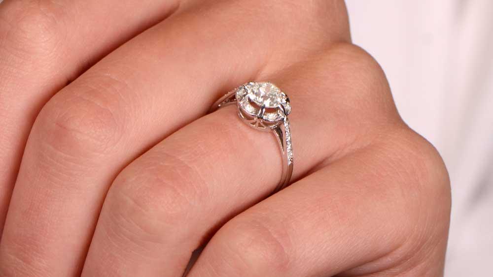 12554 Platinum Ring on Finger