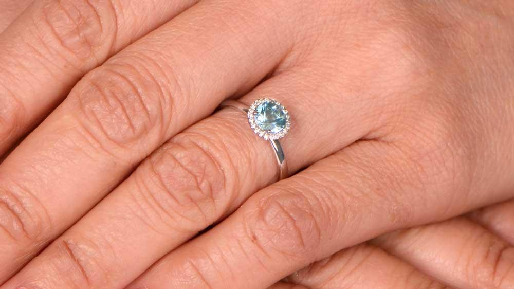 Aquamarine Halo White Gold Mounting on Finger