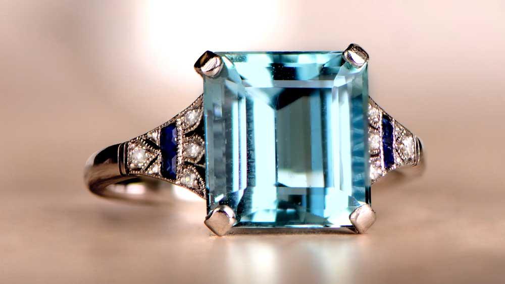 12586 Vintage Style Aquamarine Ring