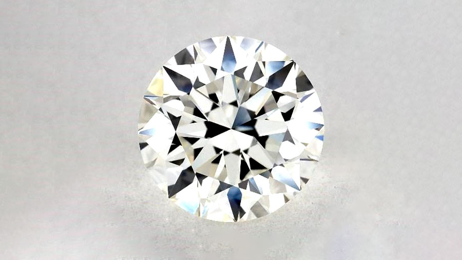 Front View of VVS1 Diamond with no inclusions