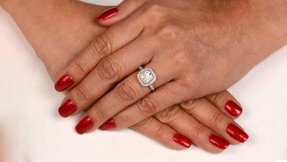 12242 Ring on Finger
