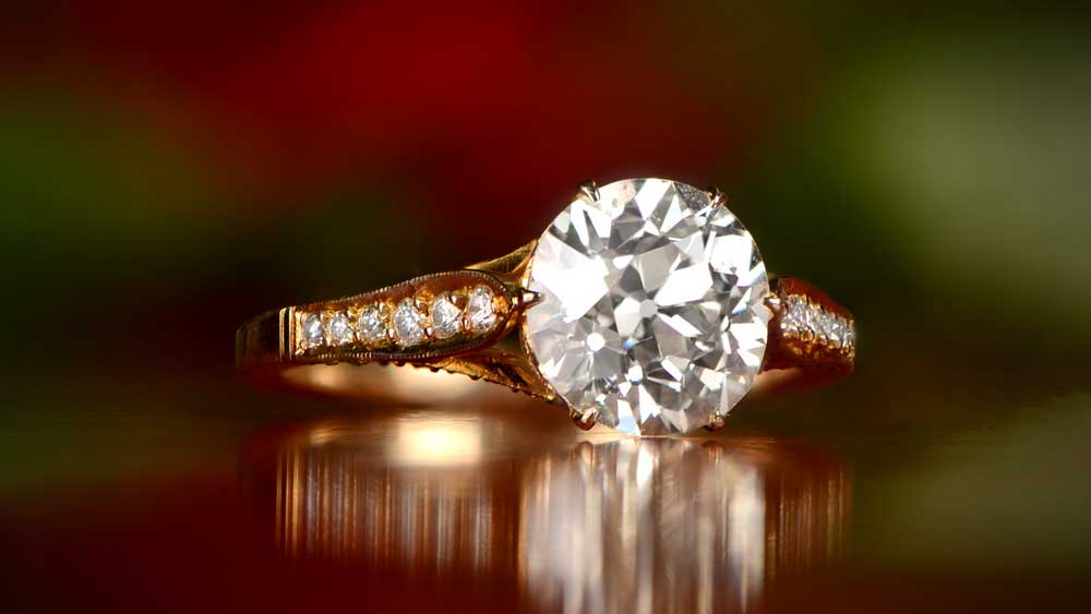 12357-Round Diamond Engagement Ring Artistic