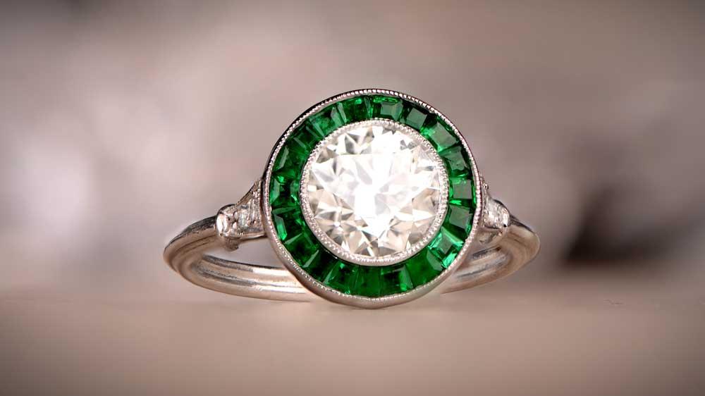 BLOG-Emerald-Halo-Ring-Artistic