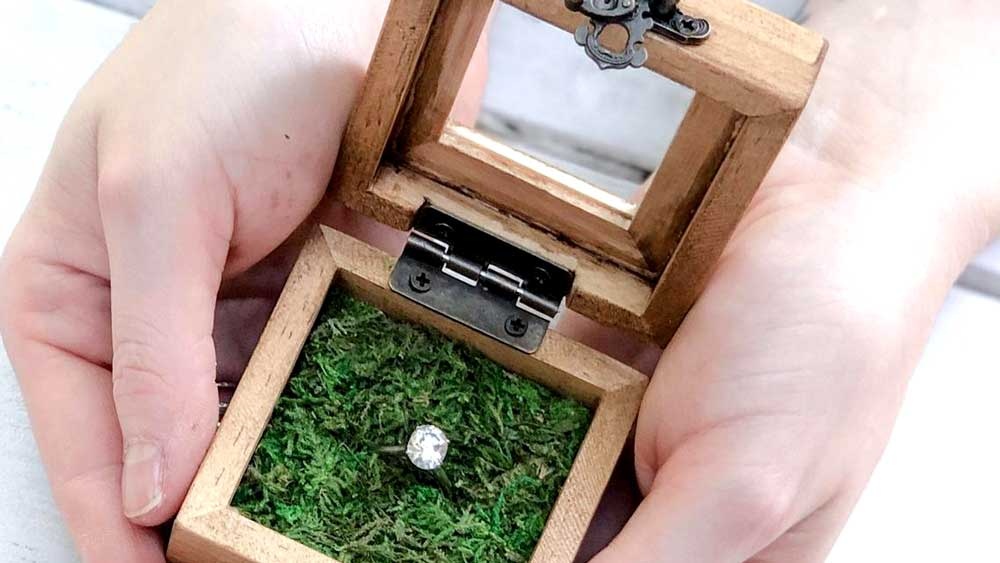 Frame Engagement Ring Box