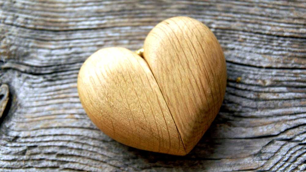 Wooden Heart Ring Box Closed